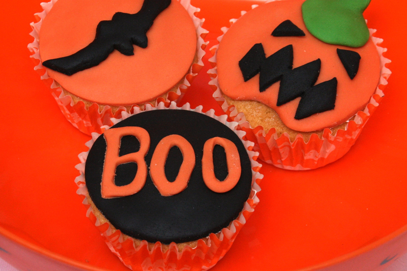Halloween Cupcakes - BOO!!